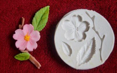 Novidade: moldes de silicone para flores de açúcar