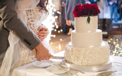Decorando bolos de casamento dos sonhos