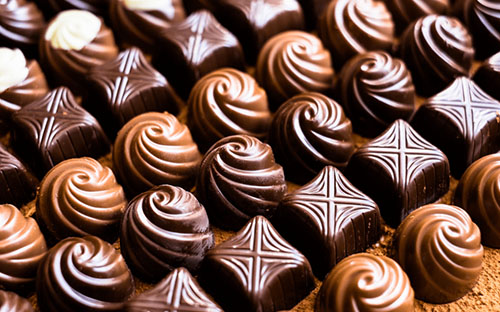 Como usar moldes de silicone para chocolate